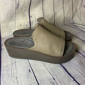Naked Feet Tan Reno Slide Sandal 7M